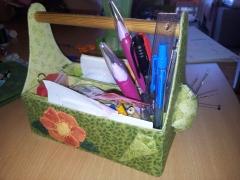 Værktøjskassen til sytøj er designet af min faster. Foto: JSN